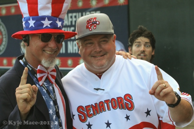 Uncle Sam and Matt LeCroy getting photobombed by Justin Bloxom