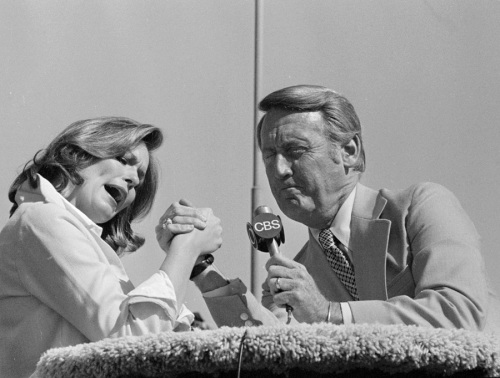 "LOS ANGELES - APRIL 17: Phyllis George and Vin Scully as co-hosts on ""Celebrity Challenge of the Sexes.""  Image dated April 17, 1977.  (Photo by CBS via Getty Images)"